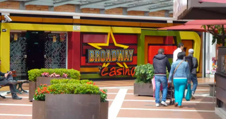 Café Concert de Broadway Casino, C.C. Plaza de las Américas
