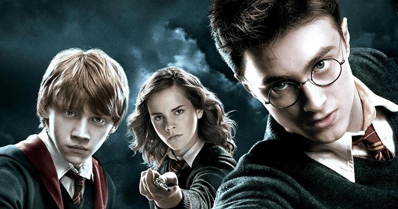 Harry Potter aterriza su escoba en el Teatro Jorge  Eliécer Gaitán